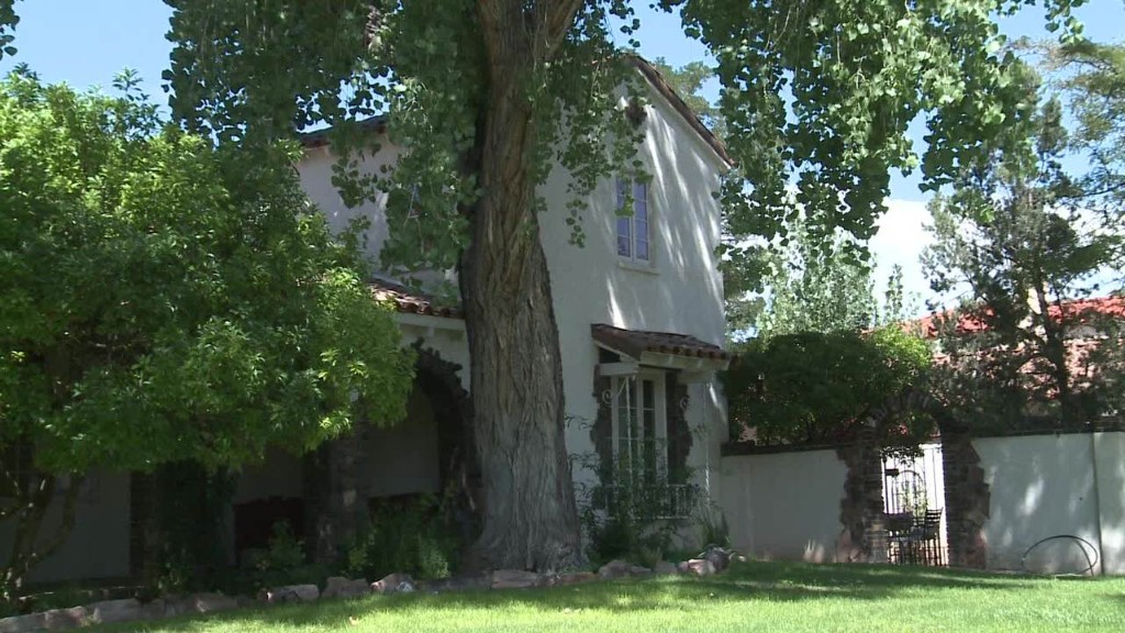 Take a tour of Jesse Pinkman's 'Breaking Bad' house