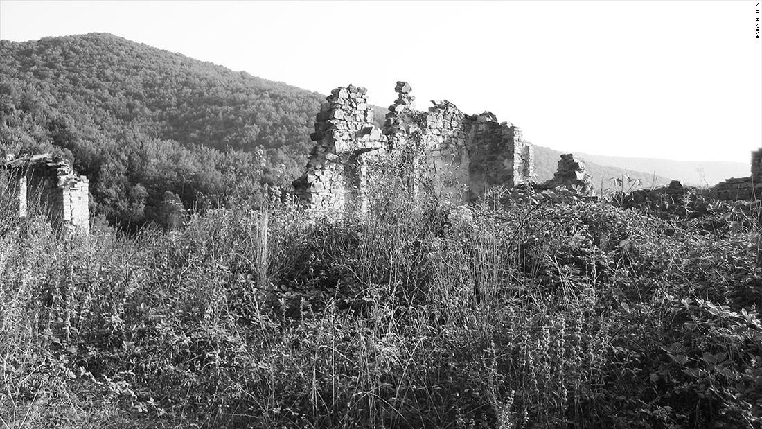 converted hotel eremito ruins 2