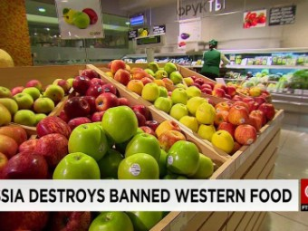 Russia bans more foreign foods