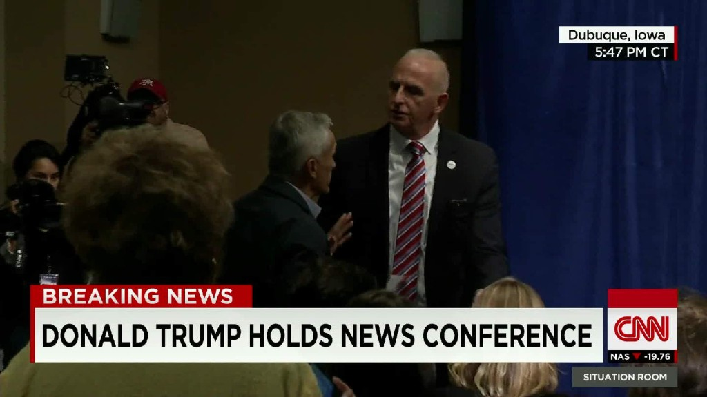 Jorge Ramos removed from Donald Trump press conference