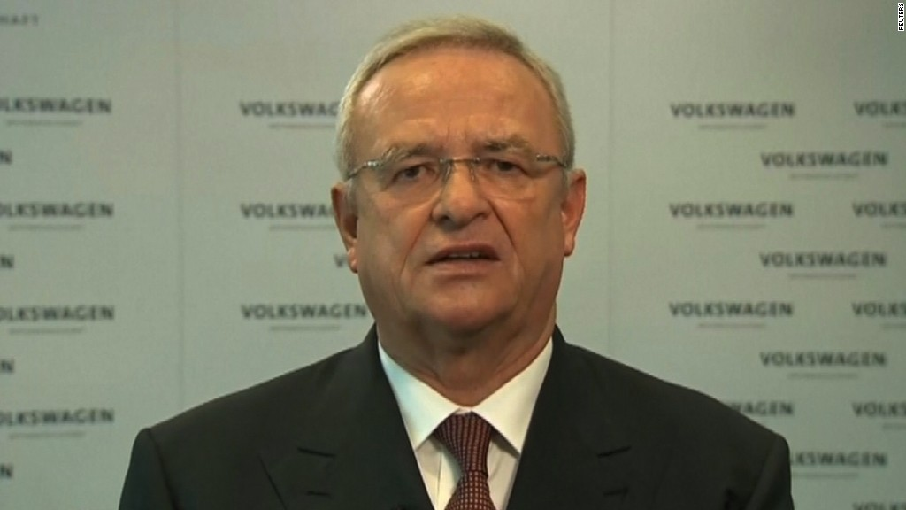 Volkswagen CEO 'deeply sorry' over scandal