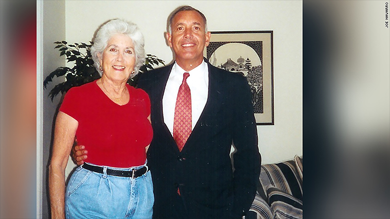 joe navarro with mom
