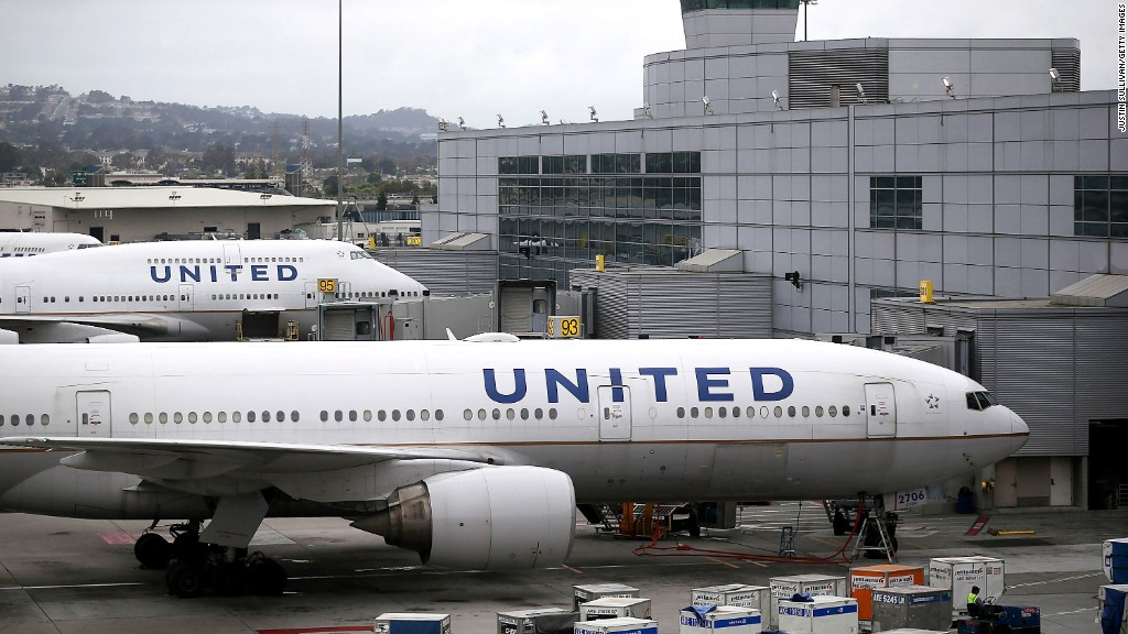 United draws Twitter ire over dress code