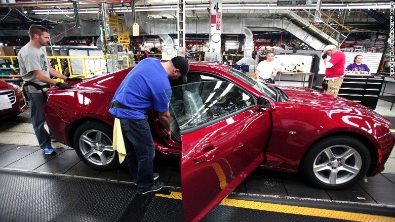 gm factory worker uaw union