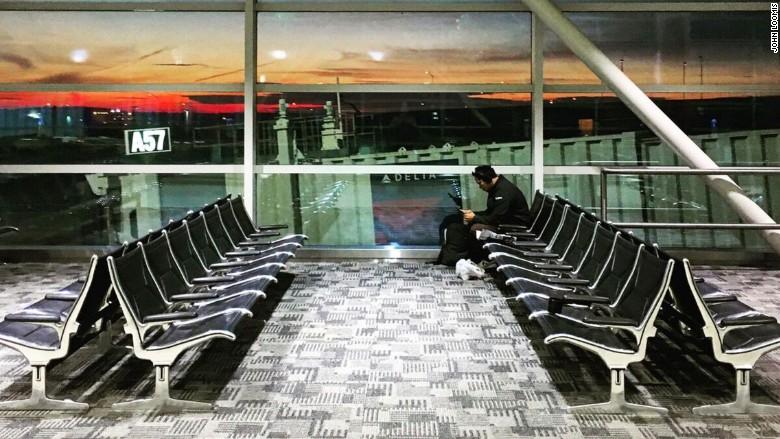 7 days john loomis airport