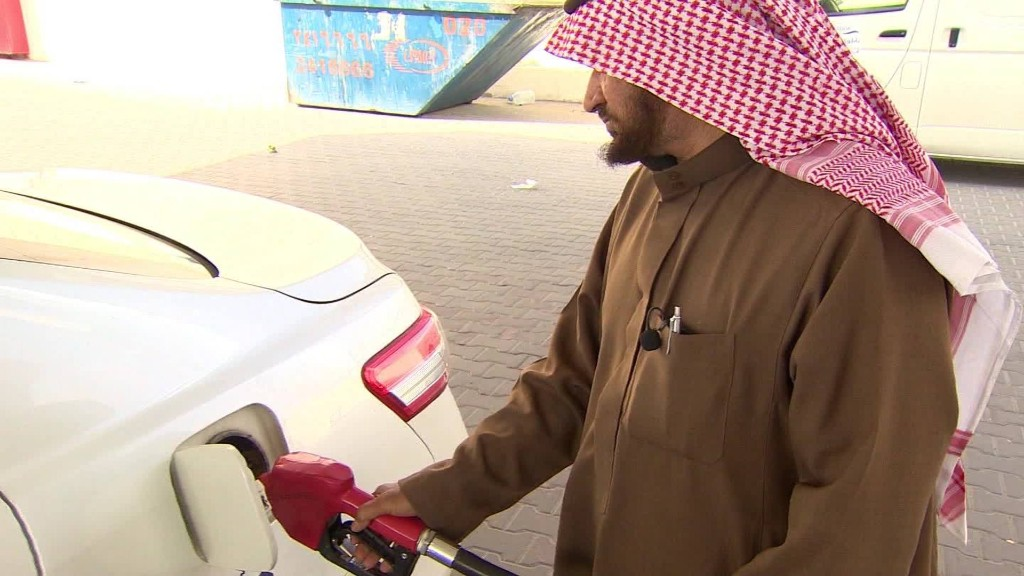 Saudi taxi drivers hurt by cheap oil