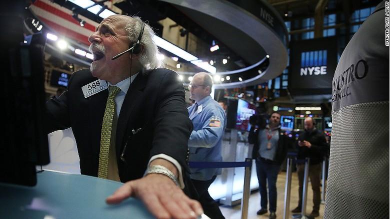 U.S. stocks: Dow futures plunge after shock U.K. referendum