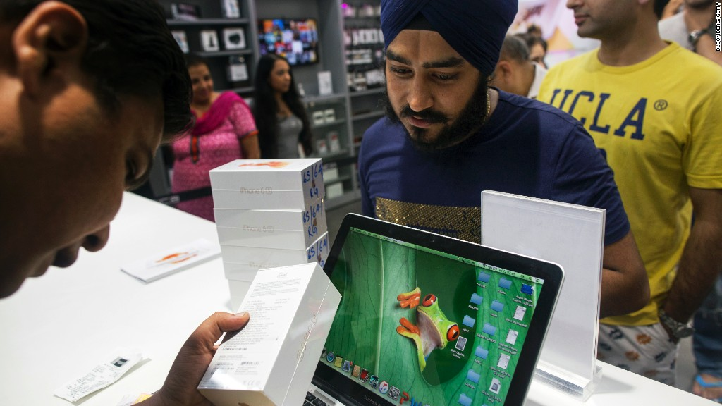 Apple looks to manufacture in India