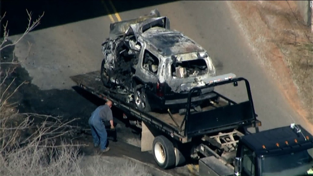 Aubrey McClendon crash: 911 calls report 'car on fire'