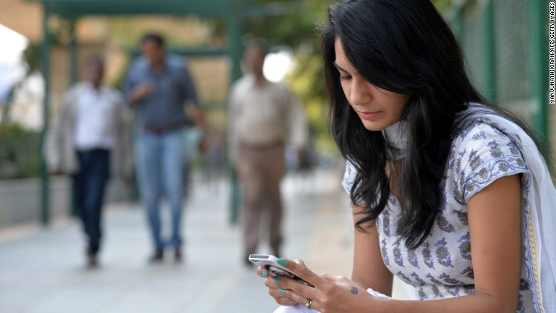 india smartphone internet