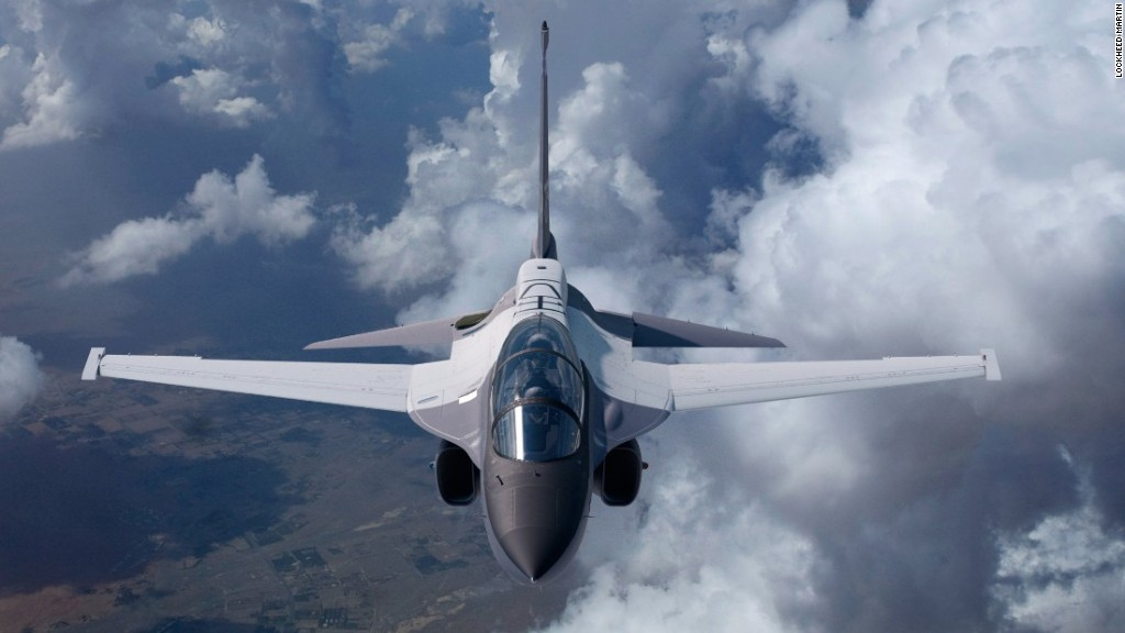 New fighter jet to train top pilots
