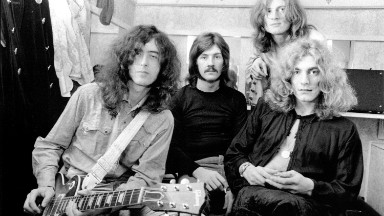 Jimmy Page draws laughs in 'Stairway to Heaven' trial