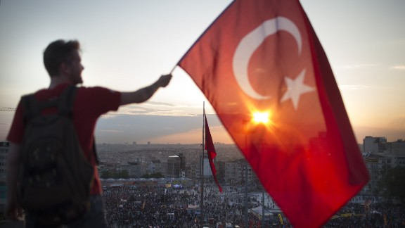 Turkey's currency plunges amid military coup attempt
