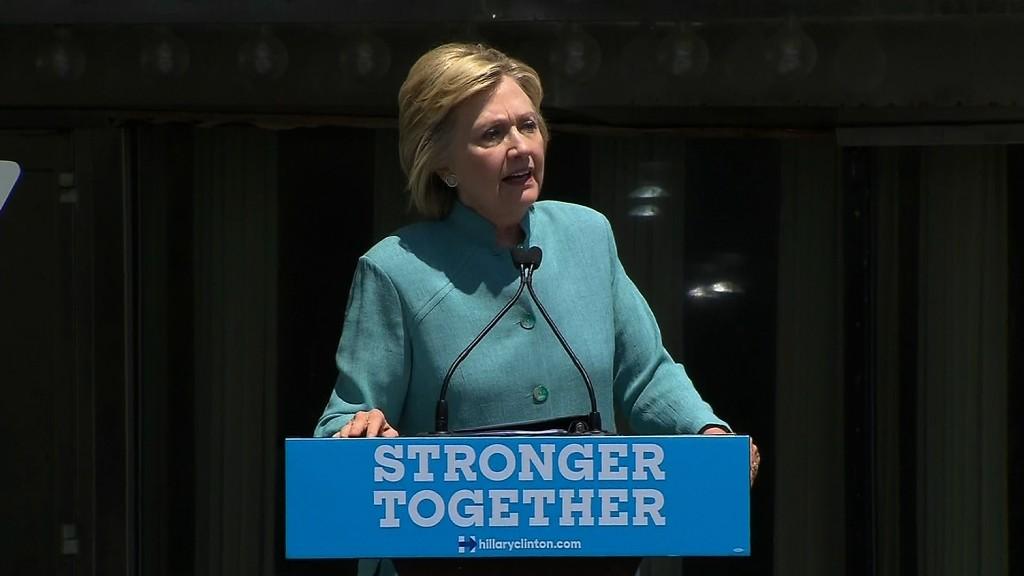 Clinton slams Trump over 'shameful' business record