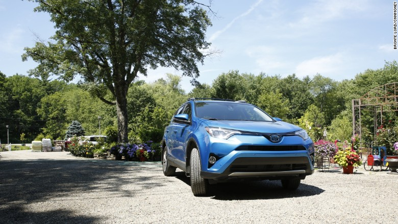 the only thrill in driving toyota 39 s rav4 hybrid is the gas mileage. Black Bedroom Furniture Sets. Home Design Ideas