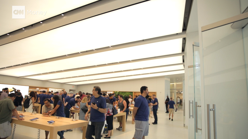 Inside Apple's new World Trade Center store