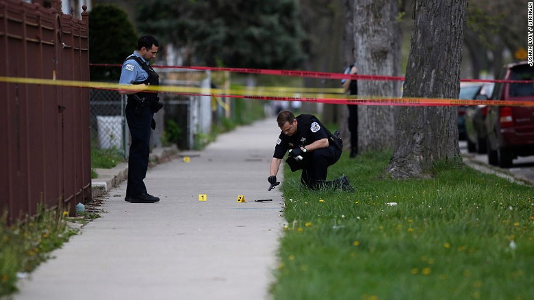 Reducing Violence >> New gun control law targets Chicago violence