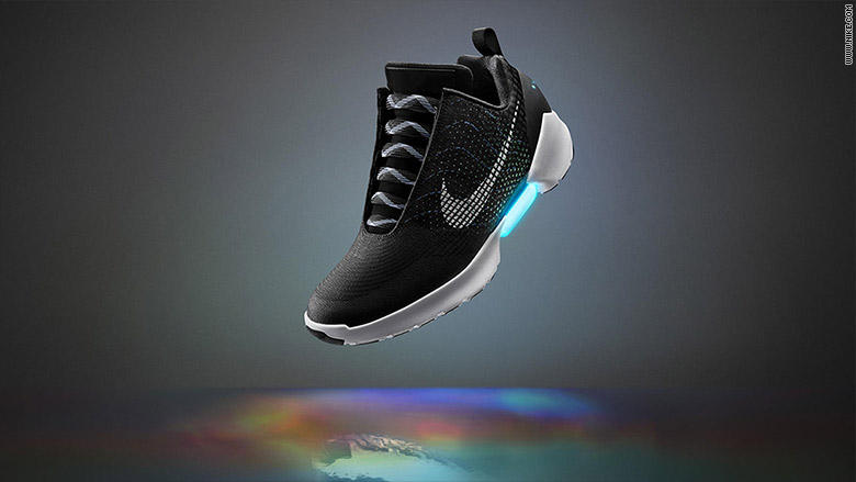 Nike S Self Lacing Hyperadapt Sneaker Will Cost You 720