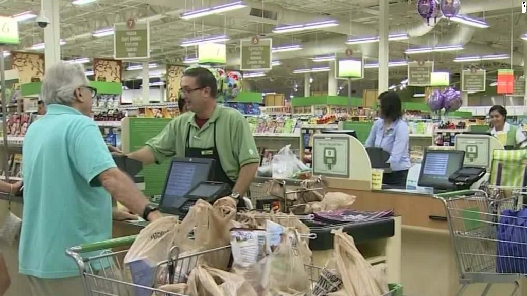 Florida residents prepare for Hurricane Matthew
