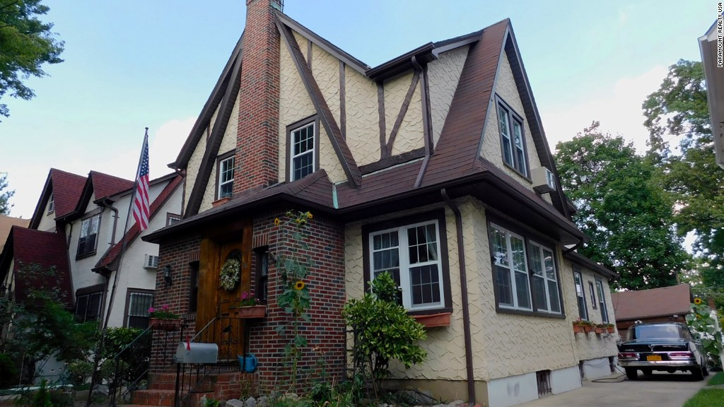 Trump's childhood home is up for auction