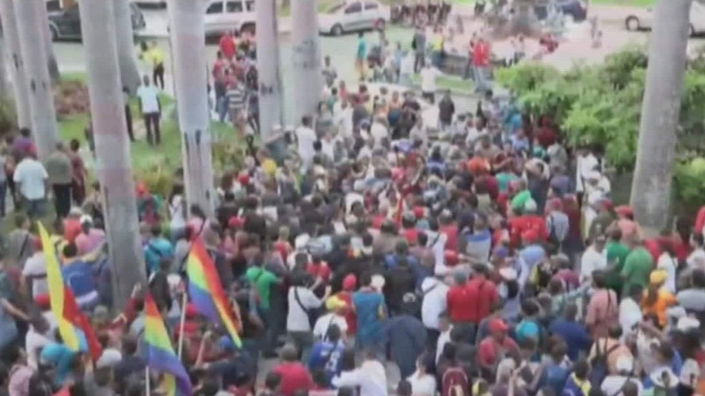 Protesters storm Venezuela's assembly