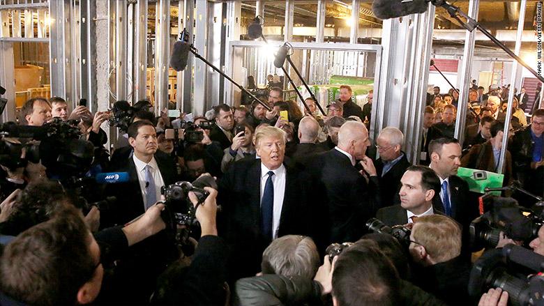 trump traveling reporters