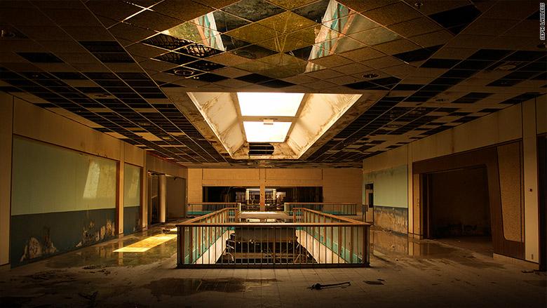 seph lawless malls 1