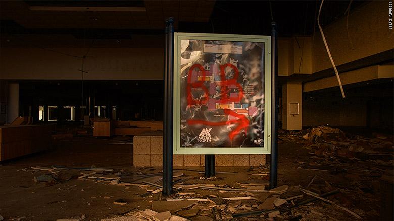 seph lawless malls 5
