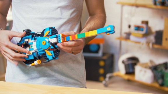 Lego's new kit teaches kids to code