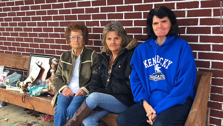 kentucky 3 women