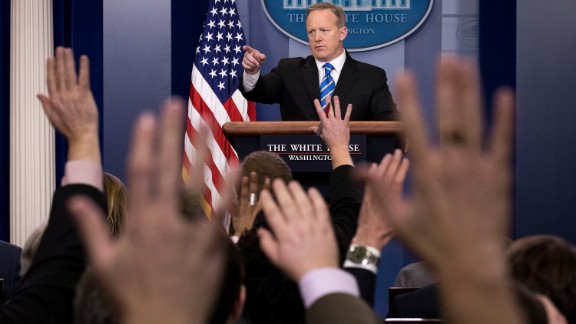 White House blocks news organizations from press briefing