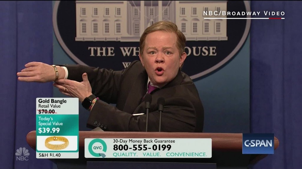 Melissa McCarthy returns to 'SNL' as Spicer