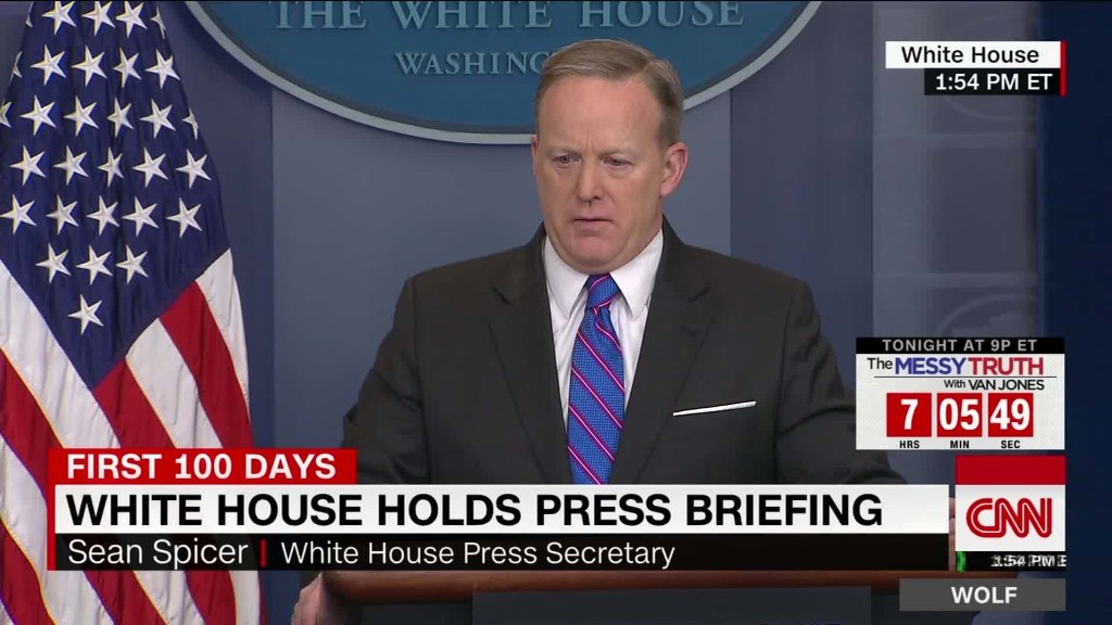 Spicer wrongly says reporter's phones tapped