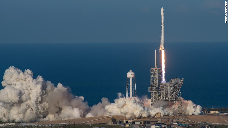 spacex ses 10 rocket launches