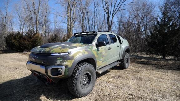 GM unveils futuristic self-driving army truck