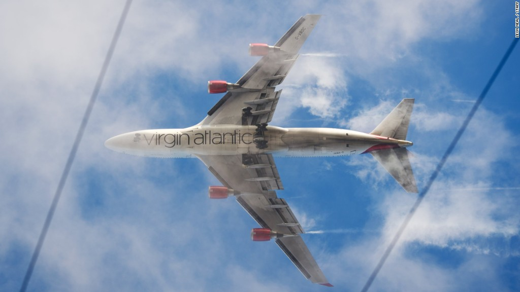 Branson sells Virgin Atlantic stake