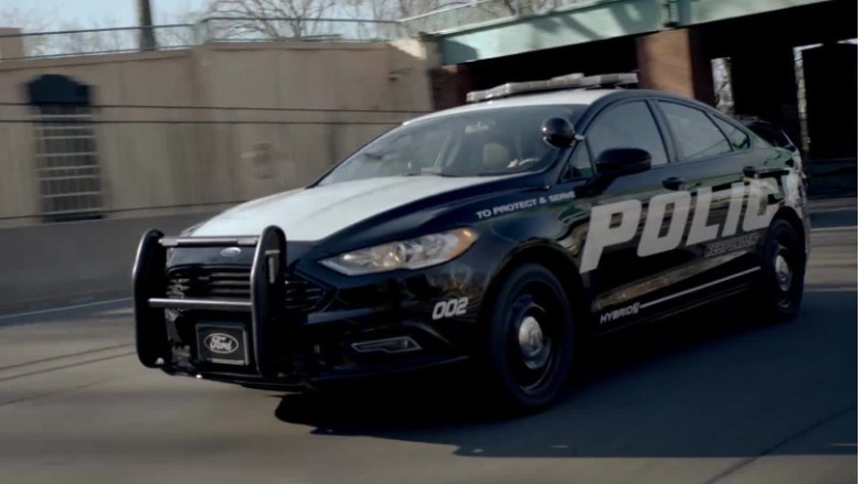 Ford unveils hybrid police car built for high-speed chases ...