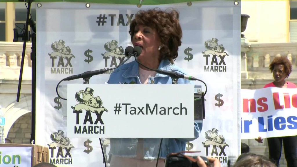 Rep. Waters leads impeach Trump chant