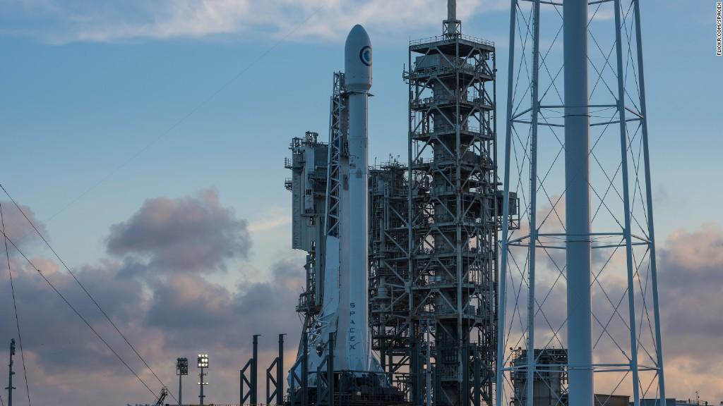 SpaceX launches secretive spy satellite
