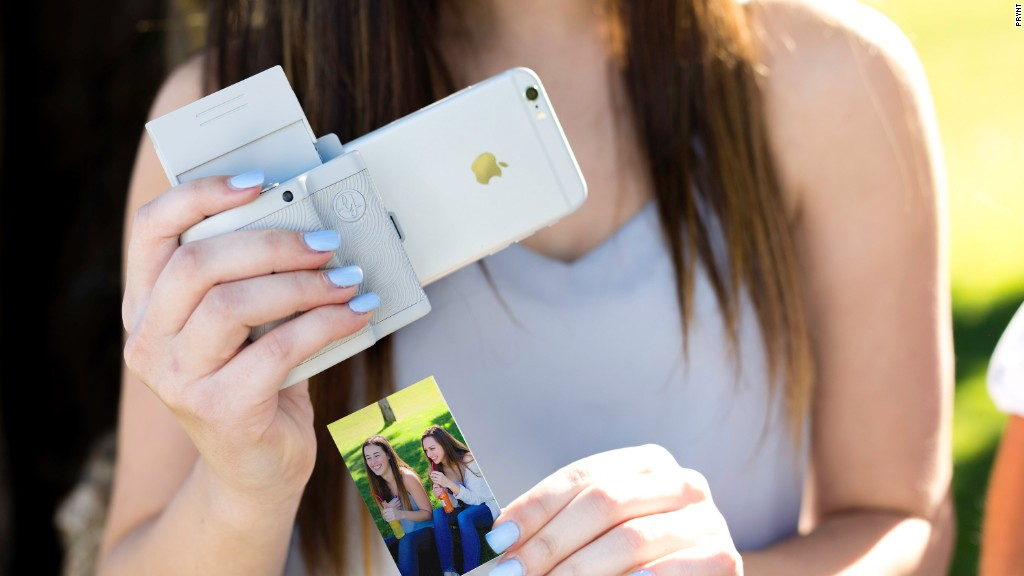 can you print from an iphone this gadget prints photos from your iphone with an 18335