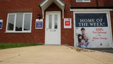 Flip this house! Zillow plans to buy and sell homes