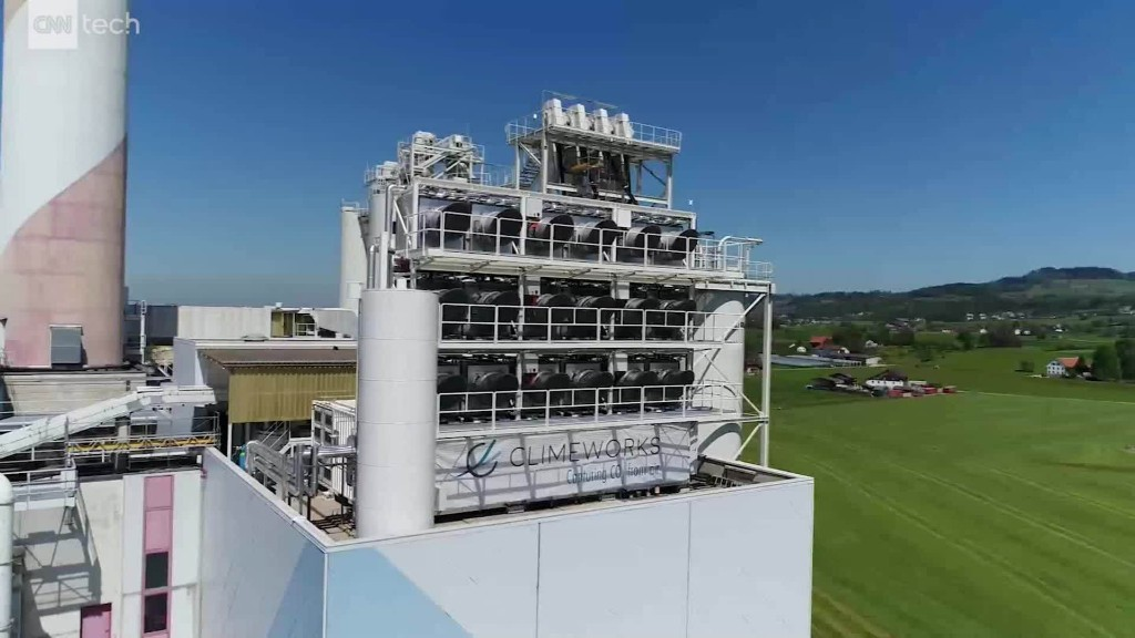 This power plant captures CO2 from the atmosphere