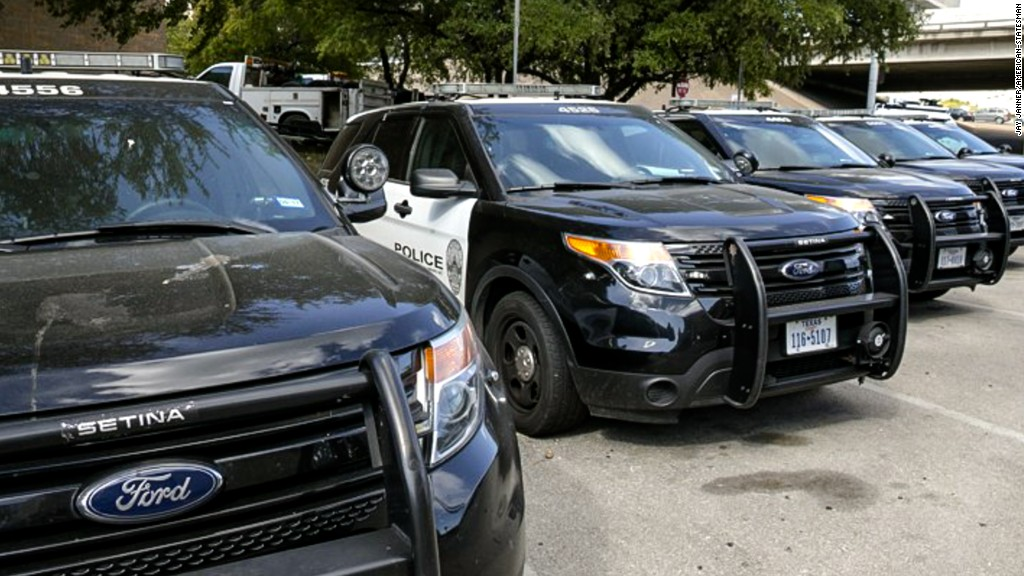 Police pull some Ford SUVs from service over carbon monoxide claims