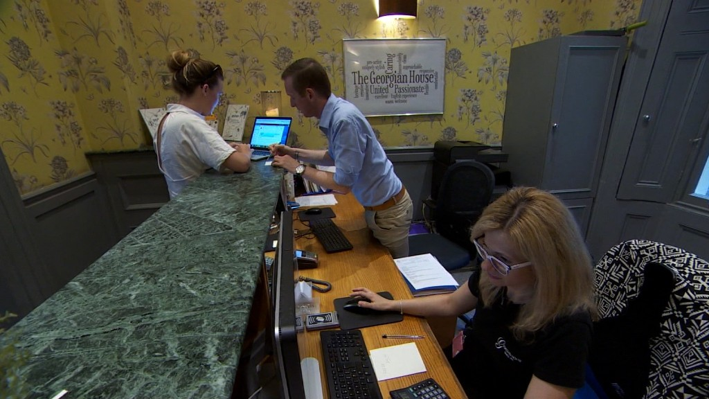 British hospitality industry in limbo as Brexit looms