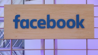Facebook apologizes for bug that temporarily unblocked people
