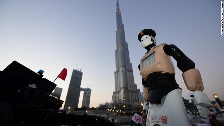 Robot Dubai cop