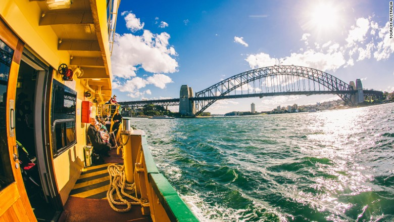 Five-easy-day-trips-from-Sydney---Ferry-to-Manly---Tourism-Australia