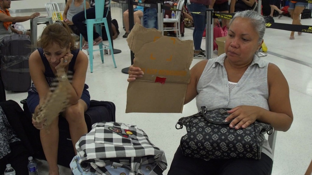 Hundreds stranded at Puerto Rican airport