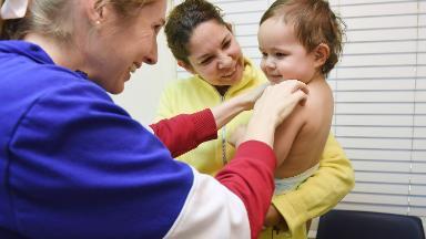 Congress provides short-term funding for children's health insurance