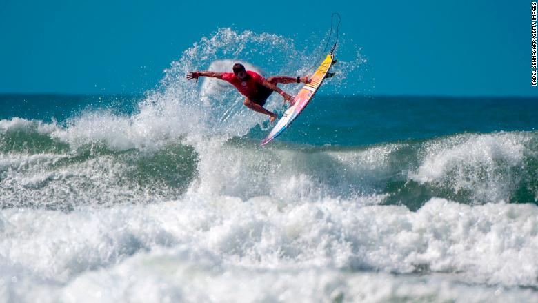 quiksilver surfing billabong